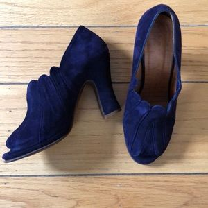 Anthropologie Chie Mihara Scallop Peep Toe Heels 7